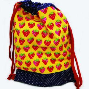 mochila infantil fresas